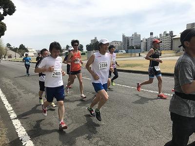 第21回 東日本国際親善マラソンのハーフマラソンレース中