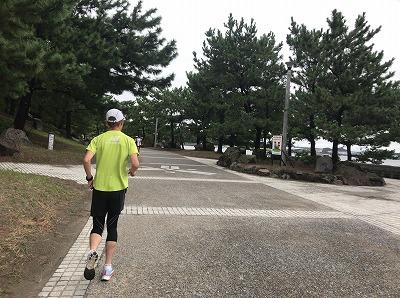 第1回横浜(YOKOHAMA)ビーチサイドマラソン30キロスタート直後