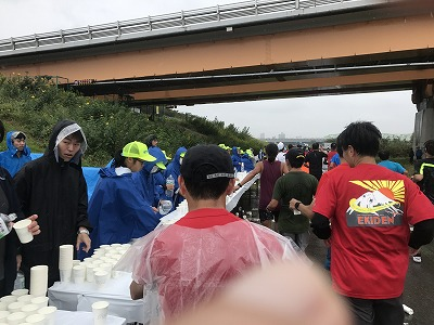 第46回タートルマラソン国際大会レース中写真給水所