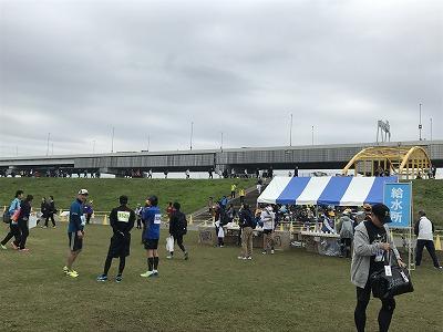 東京トライアルハーフマラソン2017本部給水所