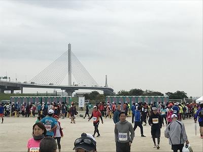 東京トライアルハーフマラソン2017のスタート前のトイレ