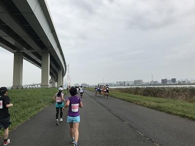東京トライアルハーフマラソン2017の7キロ折り返し