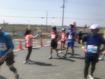 陸王杯第34回行田市鉄剣マラソン・ハーフマラソンゴール増田明美さん