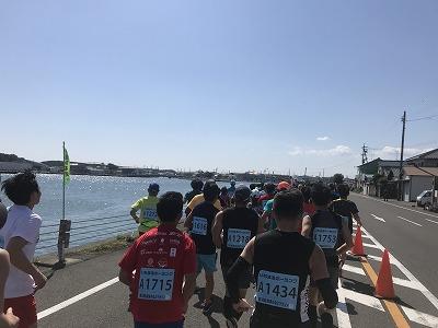 第33回焼津みなとマラソン、ハーフマラソンスタート11分後