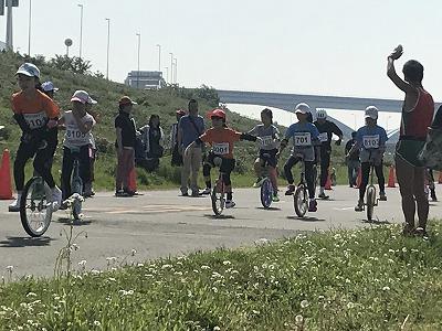 第6回あだち五色桜マラソン一輪車レーススタート