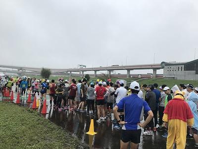 葛飾ふ~てんマラソンのハーフマラソンスタート集合