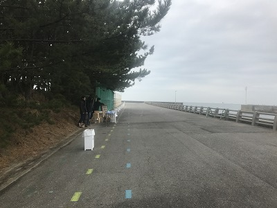第1回谷川真理クリスマスマラソンハーフマラソンスタート給水所